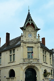 Piégut - l'Hôtel de Ville de style flamand